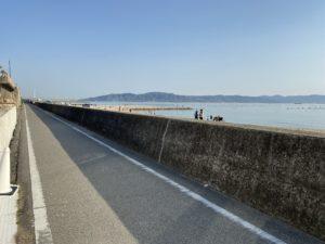 車も走らない海沿いは安全です|明石淡路島レンタサイクル